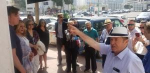 Menachem giving street talk on Diamond Trade in Ramat Gan
